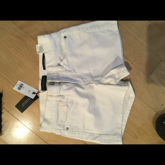 Banana Republic Pants - Banana Republic mid rise white jean short 25P NWT